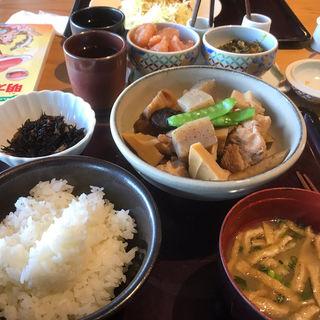 博多郷土料理がめ煮(筑前煮)定食(博多もつ鍋 やまや ekie広島店)