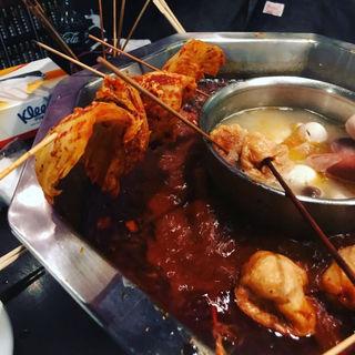 麻辣湯(鍋底)(大重慶 麻辣燙 新宿店 (ダイジュウケイ マーラータン))