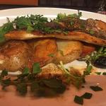 兵庫産 天然真鯛とジャガイモのロースト アンチョビバターソース(農家の野菜×創作料理 101 (ワンオーワン))