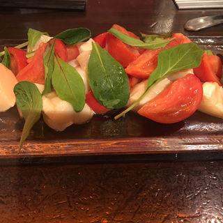 スーパーフルーツトマトと北海道産ホタテのマリネサラダ仕立て(農家の野菜×創作料理 101 (ワンオーワン))