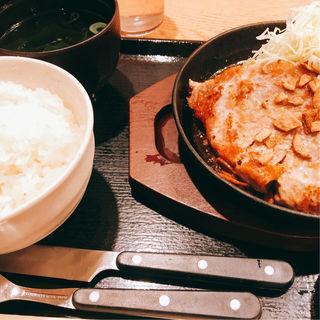 とんテキ定食(もつ焼き 栄司 )