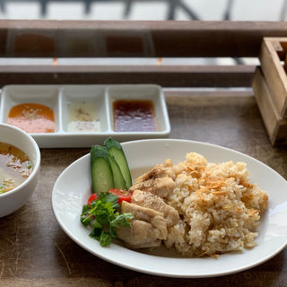 チキンライス(粥麺楽屋 喜々 (カユメンガクヤキキ))