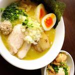 特製濃厚塩鶏そば(くまがい )