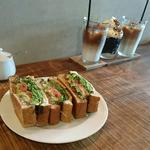 BLTサンドサンドイッチ(カワカミ コーヒー ロースター (kawakami coffee roaster))