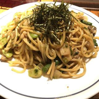 ウニ生麺のアサリと春野菜のウニ醤油炒めスパゲティ(スペシャル)(関谷スパゲティ )