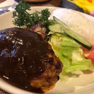 ハンバーグプレート(昔ながらの洋食屋 鈴なり )