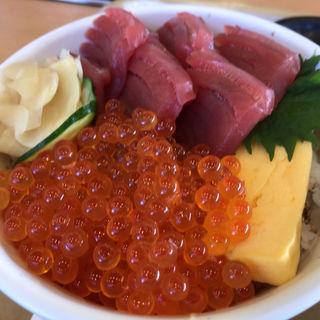 生まぐろ・いくら丼(フーズガーデン玉浦食彩館 )