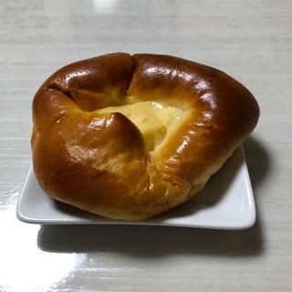 とろけるクリームパン(オーサムベーカリー なんば店)