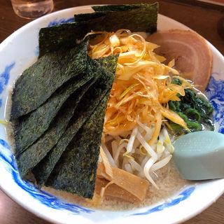背脂醤油 野菜盛りらーめん(辛ネギ・のりトッピング)(麺屋亥龍 (いりゅう))