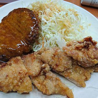 新ハンバーグ&若鶏竜田定食(Sガスト 久喜駅店 (エスガスト))