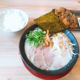 白豚骨ラーメン(熟成とんこつラーメン一番軒西春駅前)