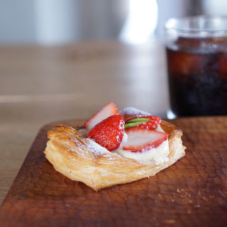 いちごのデニッシュ(Bakery Cafe Chanaan (ベーカリー カフェ カナン))