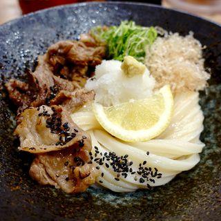 士幌黒牛(しほろくろうし)の炙り肉釜玉ぶっかけうどん(極楽うどん TKU ルクア大阪店)