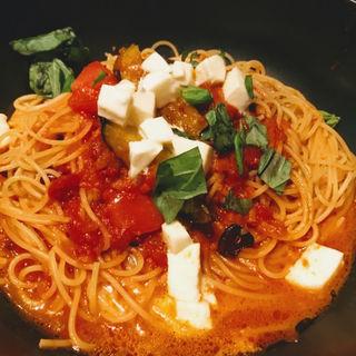 モッツアレラチーズとナスのトマトすぱ(釜あげスパゲッティ すぱじろう 名古屋店)