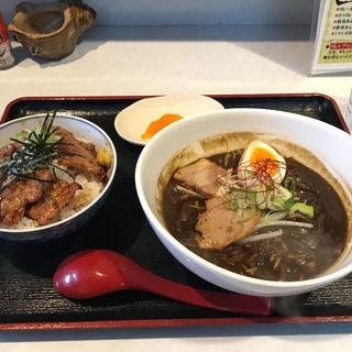 室蘭豚丼+カレーラーメン