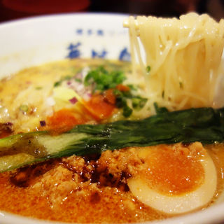 博多麻辣鶏担々麺(博多鶏ソバ 華味鳥 ソラリアステージ店)