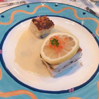 真鯛と茸のパイ包み焼き ブールブランソース ポテトのグラタン添え(レストラン花の館 パラディ北野 )