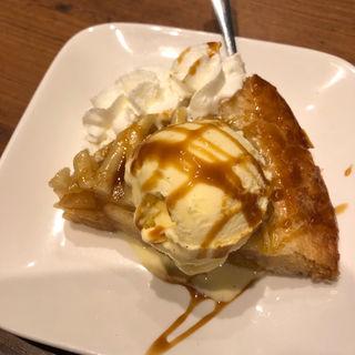 ホットアップルパイとバニラアイスのキャラメルソース(ピッツェリアバールLoRo (ピッツェリアバール ロロ ))
