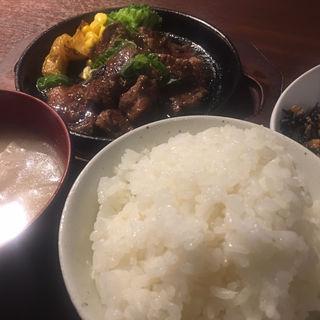牛ハラミのステーキ(鉄板焼き 鉄仁 )