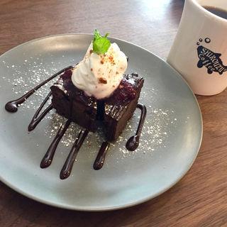 自家製ガトーショコラ ドリンクセット(シロウズコーヒー 港店)