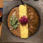 チキンカレーとキーマカレー(ピワン (piwang))