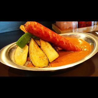 野菜カレー+トッピングでソーセージ