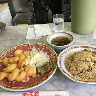 炒飯とエビ天(餃子の王将 東寺店 (ギョウザノオウショウ))