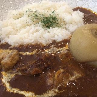 まるごと札幌黄と柔らかビーフのビーフカレー(温故知新 ブルックスカレー食堂 )