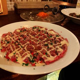 牛肉の炙りカルパッチョ(焼肉バル タイジュ)