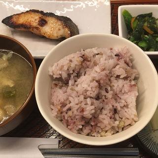 銀ダラ西京漬焼き定食