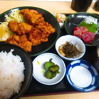 若鶏唐揚げ鮪ブツ(定食 卓味 )