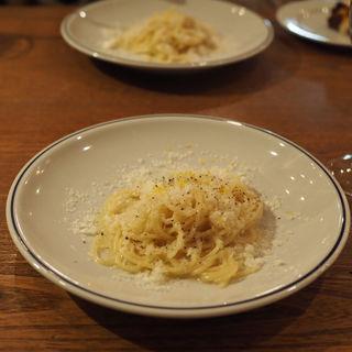 レモンとパルミジャーノチーズのスパゲティ(空と海の十字路 )