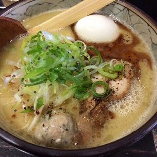 濃厚鶏白湯(こうの鶏)