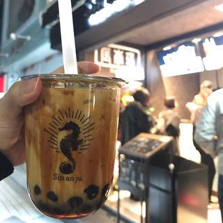 黒糖タピオカミルクティー(辰杏珠)