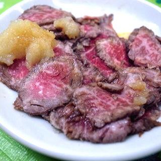 牛たたき(肉のまえかわ (にくのまえかわ))