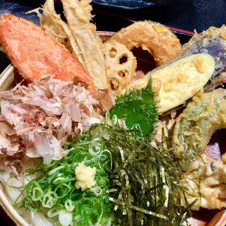 野菜てんぷらぶっかけ(大地のうどん 博多駅南店)