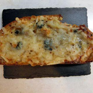 三種チーズと百花蜜のタルティーヌ(GARDEN HOUSE CRAFTS LOFT FOODLAB)