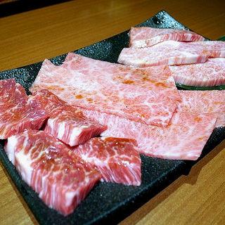 ハラミ、上ロース、上カルビ(焼肉ホルモン 山水縁 虎ノ門本店)