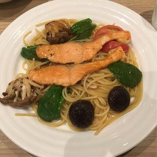 シャケと野菜のスパゲティ(HASHIYA)