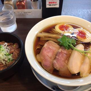特製醤油らぁ麺(らぁ麺 紫陽花 (ラアメン アジサイ))