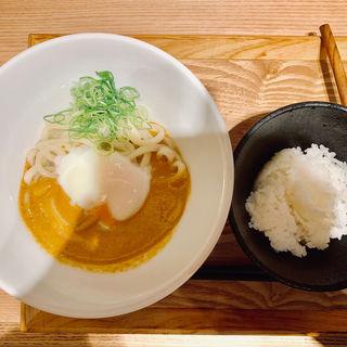 薬膳カレー釜玉(本町製麺所 天の上 JR新大阪店)