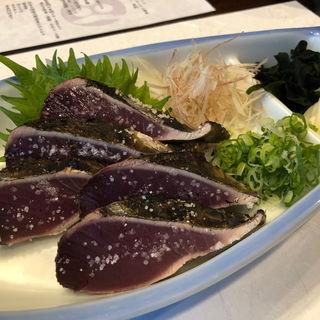 カツオの藁焼き塩タタキ