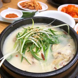 参鶏湯(トンネサムゲタン)