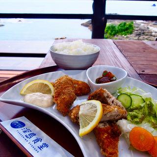 魚フライ定食(深島食堂)