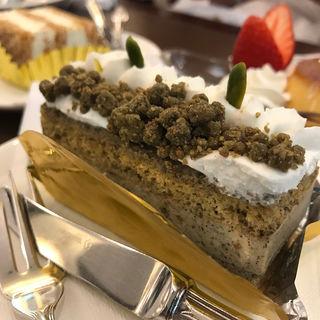 焙じ茶のケーキ(銀座ウエスト 青山ガーデン)