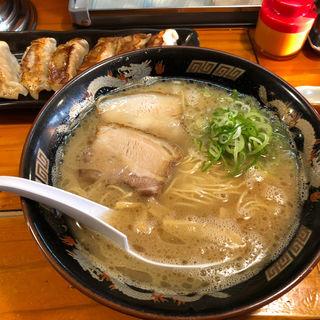 ラーメン(麺屋ラ賊 (らぞく))