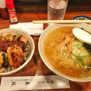 焼鳥丼とラーメンセット(ランチ)(鳥政)