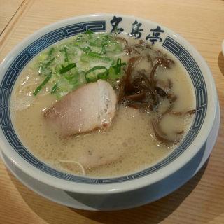 とんこつラーメン(元祖 名島亭 JRJP博多ビル店)