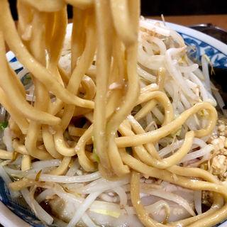 ラーメン+辣油(ニンニク、味付き脂、木耳、特製生姜)(ラーメンぶぅさん)