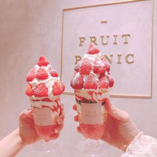 パフェ  ストロベリー(fruit picnic 原宿表参道店)